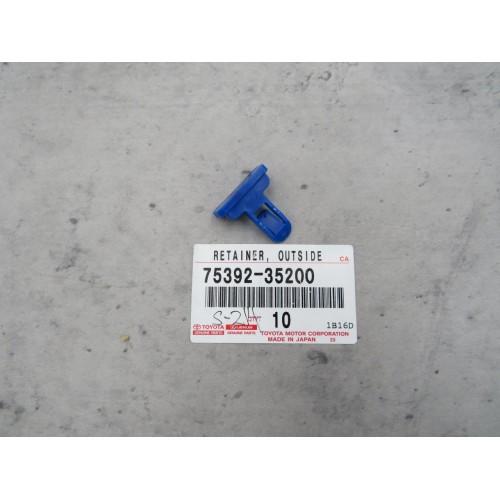 Toyota Alphard ACR50 Clip