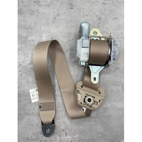 Toyota Corolla Altis ZZE121 Safety Belt (Right)